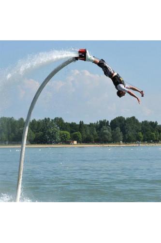Flyboard - ewolucje nad wodą